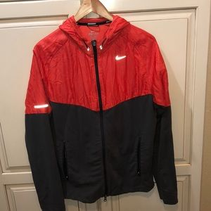 Nike running windbreaker